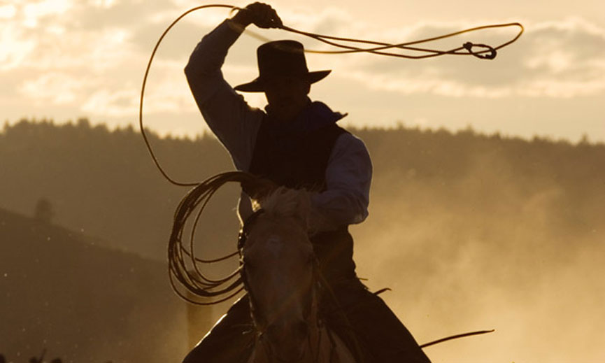 Cowboy-throwing-lasso-011